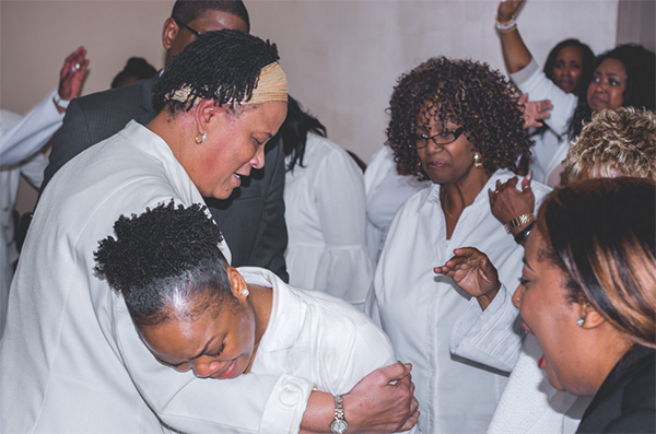 Intercessors-praying-dianna-hobbs